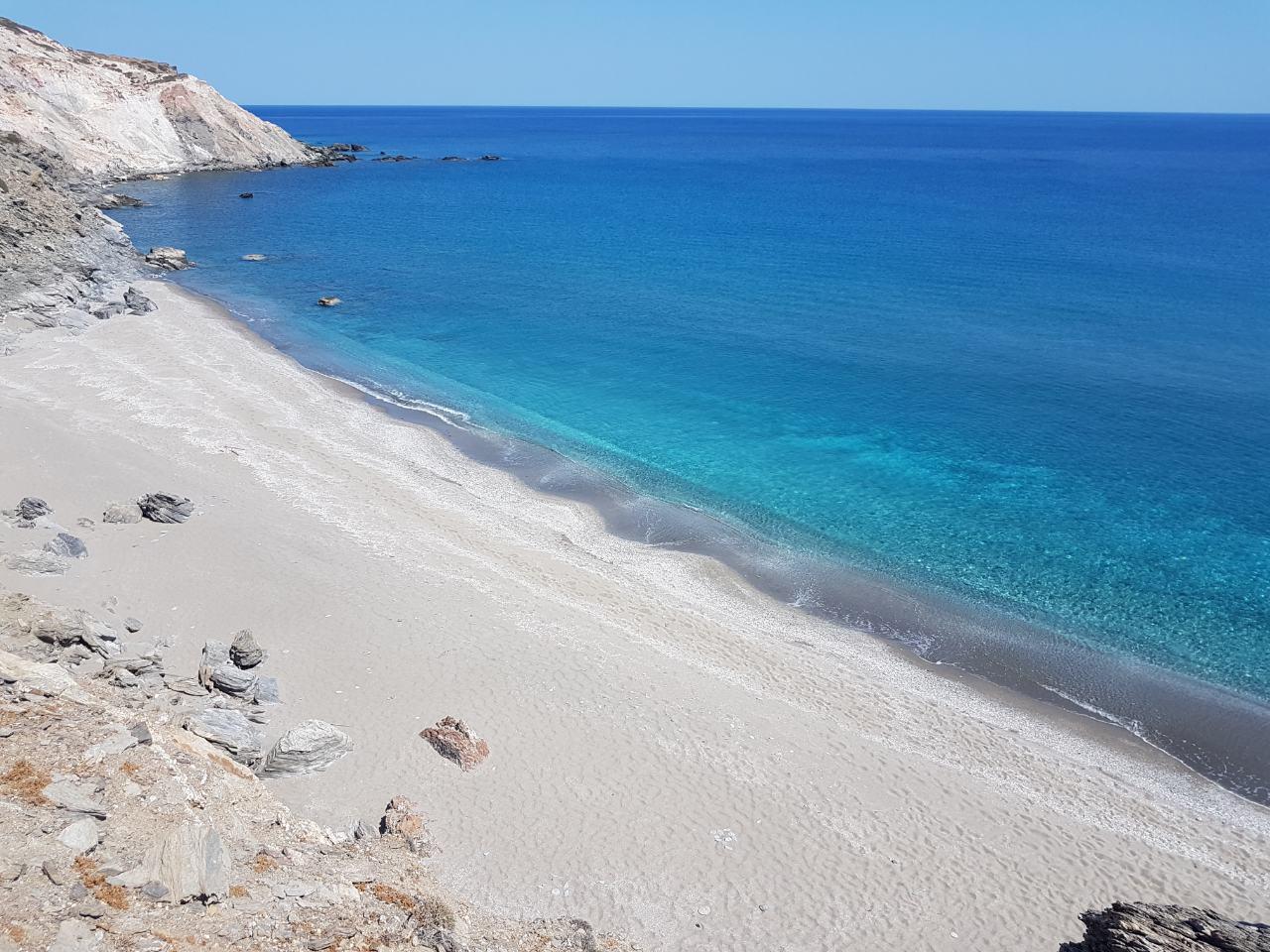 lagos_rent_a_car_milos_beach