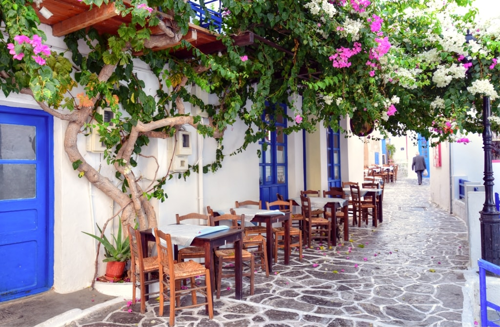 lagos_rent_a_car_milos_plaka_village